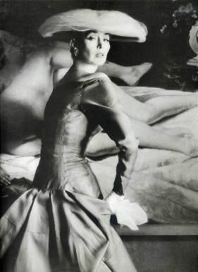 Dorian Leigh con vestido de Jacques Heim,1955- Foto de Henry Clarke