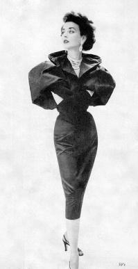Dorian Leigh con vestido de satén y tafetán de Howard Greer, 1951