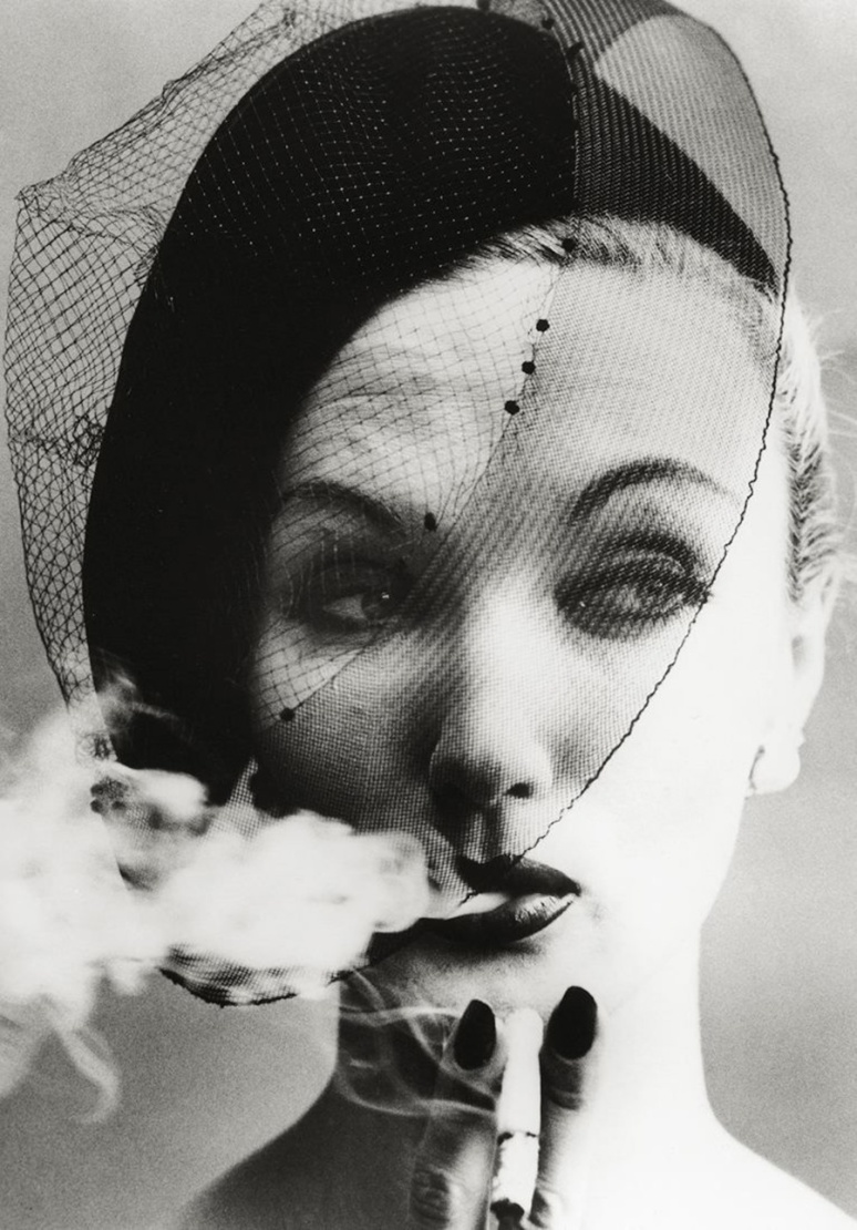 "Dorian Leigh- ""Smoke and Veil"" de 1958-Fotografía de William Klein"