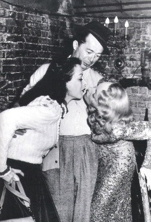Hedy Lamarr, Billy Wilder y Marlene Dietrich en el set de A Foreign Affair (Berlín Occidente), 1948.
