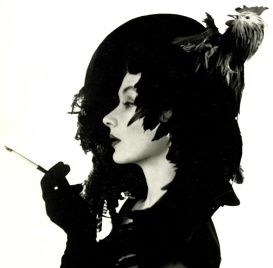 Irving Penn, Lisa con sombrero chicken, New York, 1949