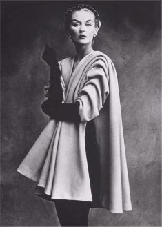 Irving Penn, Lisa Fonssagrives con abrigo de Balenciaga- Paris-Vogue-1950