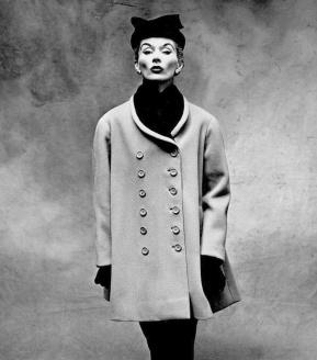 Irving Penn, Lisa Fonssagrives con abrigo gris de Balenciaga-1950