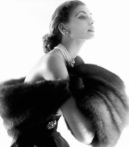 Suzy Parker-Agosto de 1954-Fotografía de Horst P. Horst